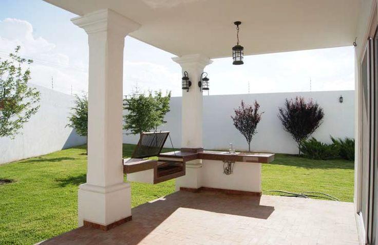 Reestrena residencia estilo Colonial Californiano en Jardines de Versalles - Casas en Venta en Fraccionamiento Jardines de Versalles 2a Etapa, Saltillo, Coahuila - rentasyventas.com