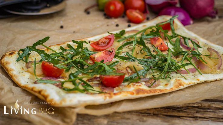 Flammkuchen vom Grillwird auf einem Pizzastein entweder im Gasgrill oder auf dem Holzkohlegrill erst so richtig perfekt. Das Ergebnis ist mit der Zubereitung im heimischen Backofen überhaupt nicht zu vergleichen. Nicht ohne Grund wird ein original Flammkuchenrezept auch in einem Flammkuchen-Ofen (Holzbackofen, Pizzaofen) zubereitet. Die ...