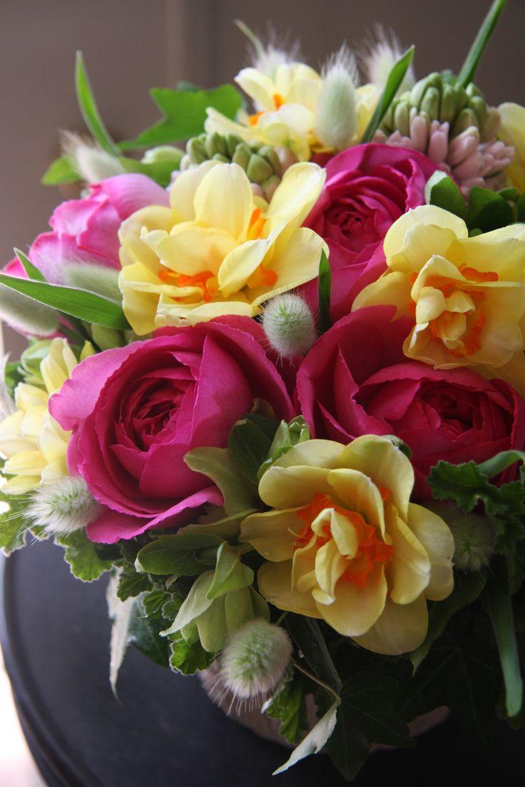 rose,narcissus,hyacinth,lagurus