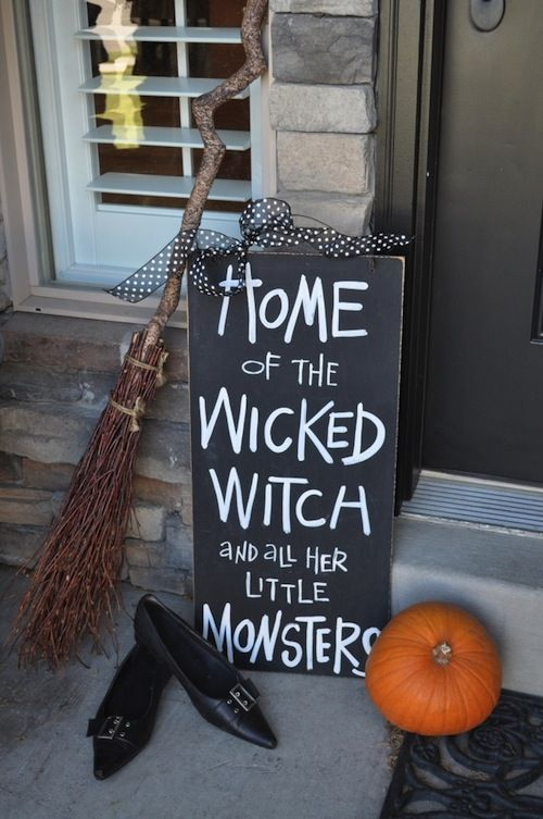 Best 25 fun halloween decorations ideas on pinterest diy 5 simple halloween decorating ideas for your home solutioingenieria Image collections