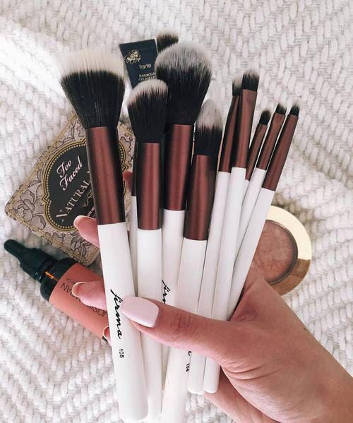 Clothing, Shoes & Jewelry - Women - makeup brushes - http://amzn.to/2jBdpzH