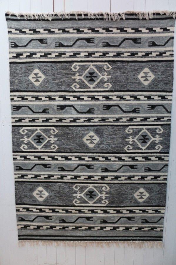 28 besten vintage teppiche kissen plaids und taschen bilder auf pinterest bonn taschen und. Black Bedroom Furniture Sets. Home Design Ideas