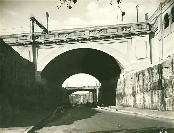 Argyle Street Arch or The Rocks (Argyle Street) Railway Underbridge in Sydney in 1932. •State Records of NSW•