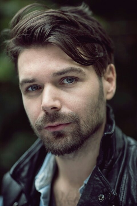 Simon Neil from Biffy Clyro my new crush