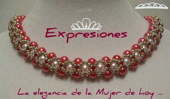 Collar tejido en perlas naturales y rojas enlazadas con mostacilla plateada