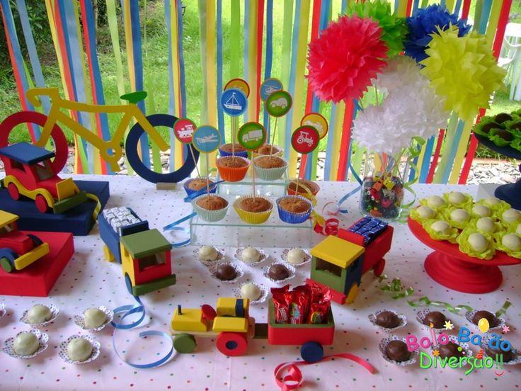 Idéias de Festas de meninos: Brinquedos de meninos: meios de transportes! Tema 2012! =)