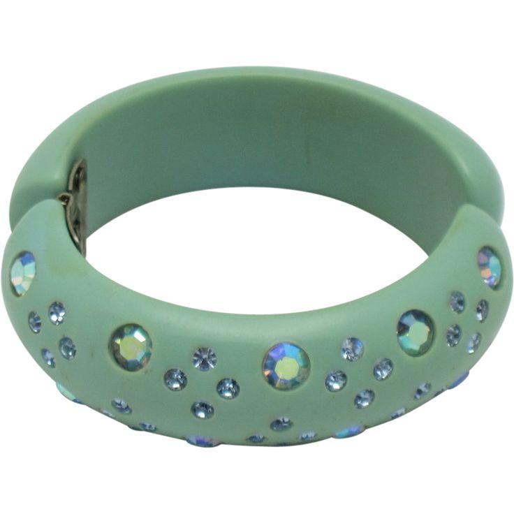 WEISS Vintage 1950s Signed Bakelite Aqua Rhinestone Aurora Borealis Clamper Bracelet
