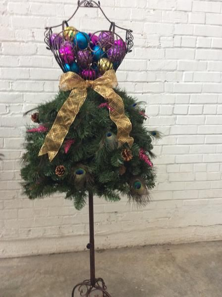 DIY Tutorial: Sexy Style Dress Form Christmas Tree on a Wire Dress Form