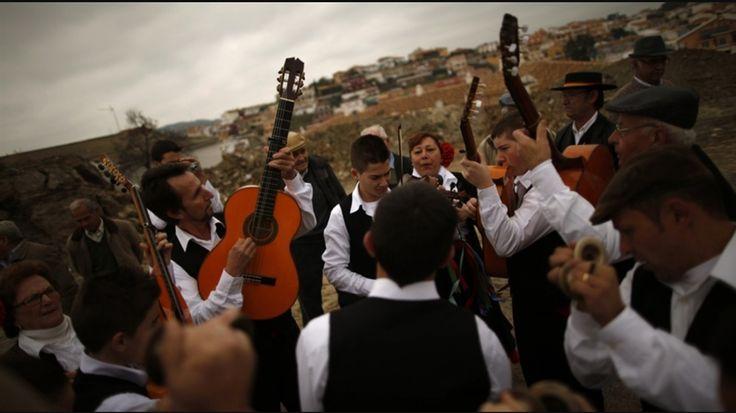 Más ejemplos de la música de espańol   --- https://www.quora.com/What-are-some-examples-of-traditional-Spanish-music