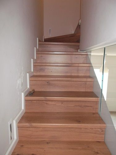Quick Step Stairs    מדרגות קוויק סטפ עם סף אינסוזו מיוחד תואם לפרקט יורם פרקט טל: 050-9911998  אולם תצוגה: חנות ואולם תצוגה רח' אהוד קינמון 29 אזה