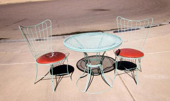 vintage HOMECREST Eames Era Bertoia PATIO furniture homecrest round table and 2 bistro chairs  ($294)