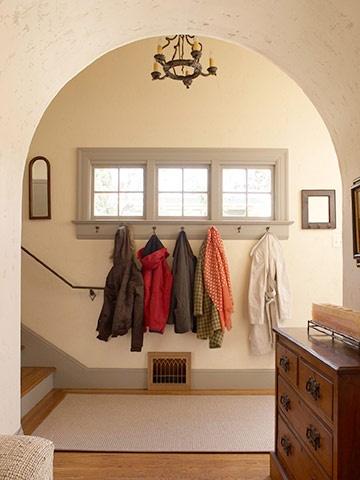 .: Coats Hooks, Decor Ideas, Coats Racks, Decor Near Rooms Window, Mud Rooms, Window Trim, Mudroom Entry, Window Frames, Coats Closet