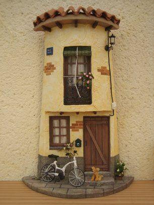 10 ideas sobre puertas de garaje en pinterest p rgola for Puertas de tejas decoradas