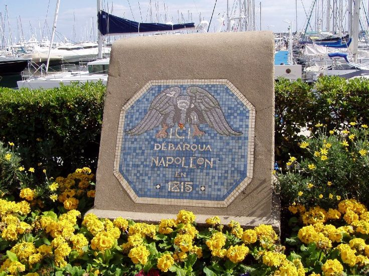 plaque commémorative sur la promenade de golfe juan