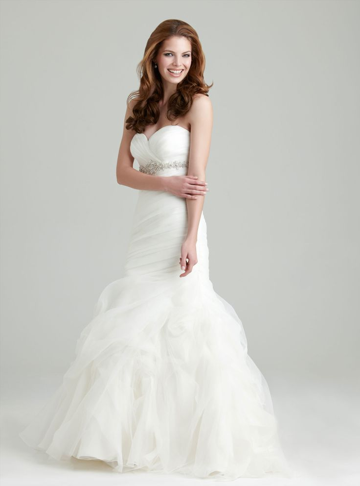Strapless Wedding Gown I Strapless Bridal Gown I Wedding Dress I Allure Bridals (2550) I Available at Brides of Melbourne