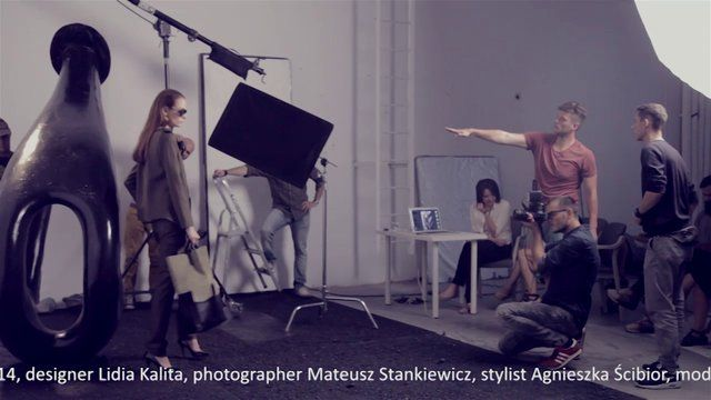 A short movie with backstage scenes for Fall/Winter 2013/14 photoshoot Client: Simple Creative Products Designer: Lidia Kalita Photographer: Mateusz Stankiewicz Stylist: Agnieszka Ścibor Model: Zuza Bijoch / D'Vision