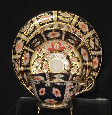 Royal Crown Derby, Fine Bone China, Made in England. Pattern 'Imari' tea set. JH