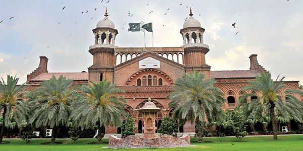 #LHC bans auction of #DTH licenses, declaring it 'illegal'