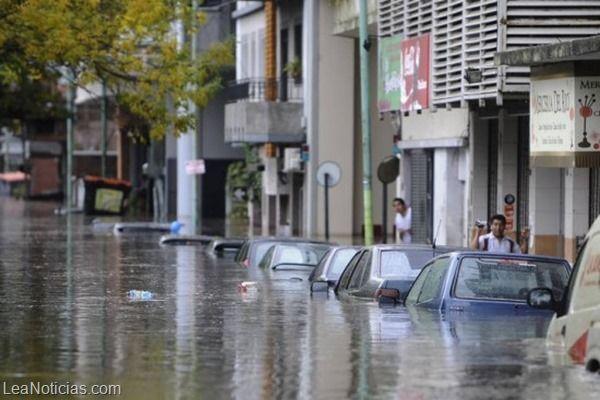 Político británico cree que las inundaciones son culpa de los gays - http://www.leanoticias.com/2014/01/21/politico-britanico-cree-que-las-inundaciones-son-culpa-de-los-gays/