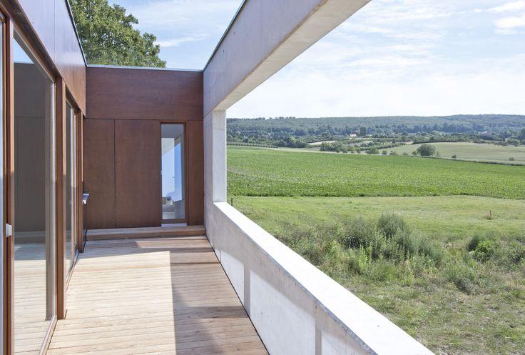 Nominierung: Am Klosterhof, AHAD Architekten, Blick von der Loggia zum Elm, © Ahad