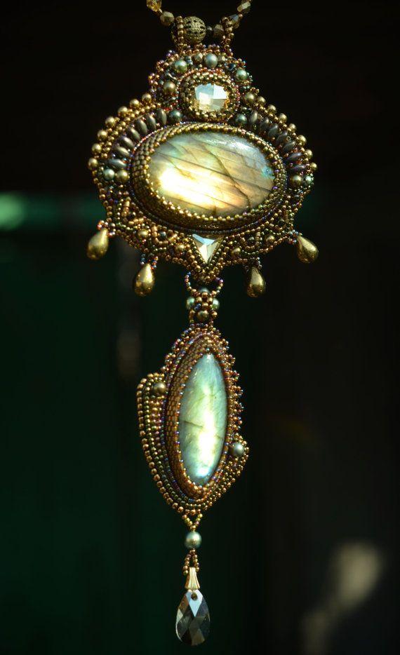 Bronzen geborduurde ketting kralen sieraden door suzidesign