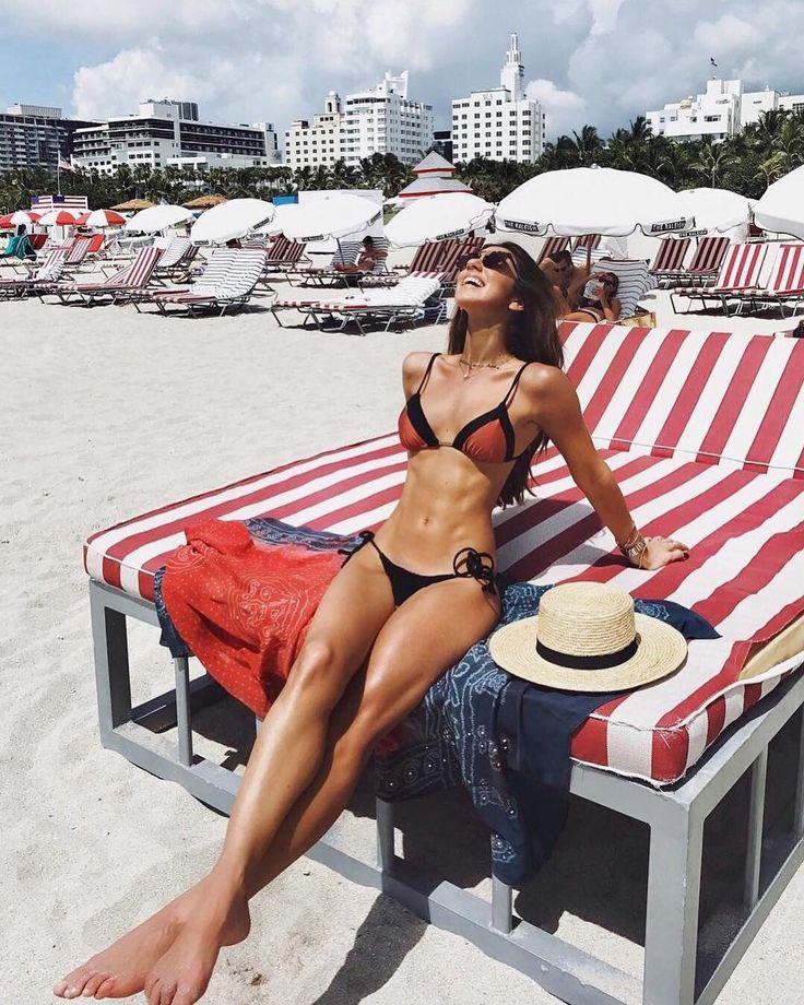 The body! Quem já conferiu os looks e toda a brasilidade da nossa Fhits @luizabsobral em Miami que foi destaque na @revistaestilo? O link tá na bio do perfil da nossa musa carioca. Check it! #FhitsTeam #FhitsTips #FhitsNewMiami #Sunday