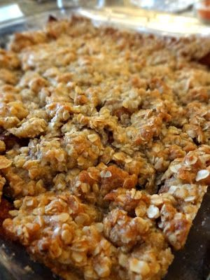 Welcome Fall with a Apple Crisp with Crunchy Oat Topping