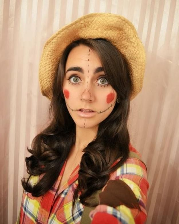 Lady Scarecrow Costume | Creative and Cute Looks For Halloween by DIY Ready at http://diyready.com/diy-scarecrow-costume-ideas/
