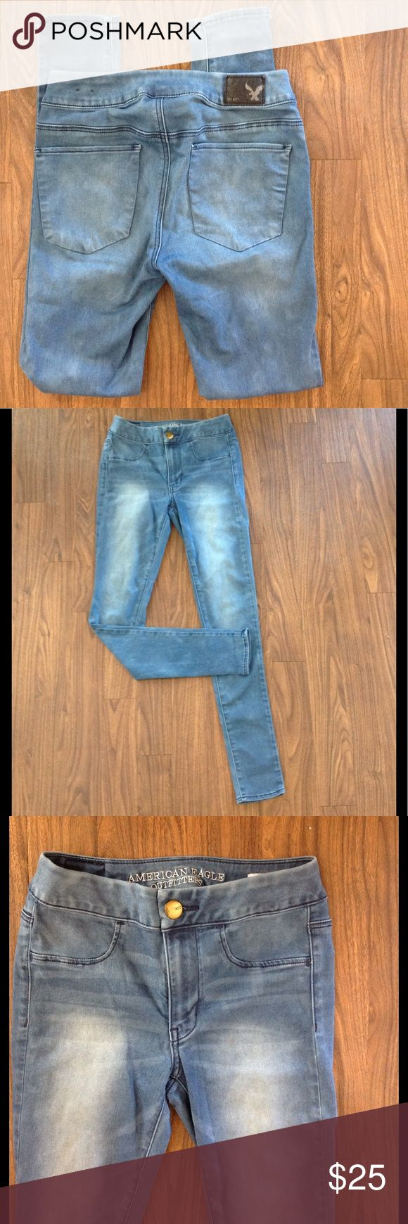 American eagle outfitters legging jeans supper sz2 American eagle outfitters extreme leggings. Size 2. Super super stretch. Zipper front. Two back pockets.Good preowned condition. Please look at all pictures before you purchase. Thanks! Jeans Skinny