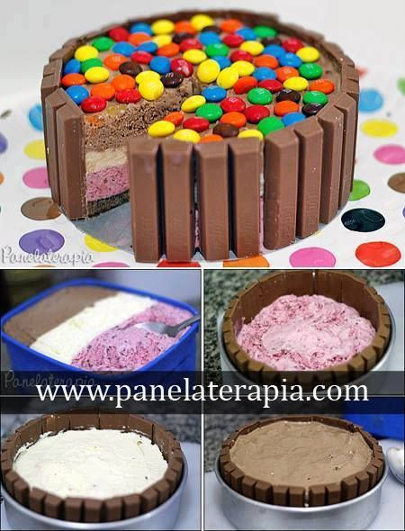 Kit Kat + sorvete napolitano?! Ingredientes: - 1 pote de sorvete (como a minha forma é pequena, comprei um pote de sorvete de 3 sabores e consegui separá-los em 3 camadas); - 8 unidades de chocolate KitKat - 1 pacote de biscoito recheado de chocolate - 4 colheres (sopa) de leite - Confeitos para decorar (usei M&M)
