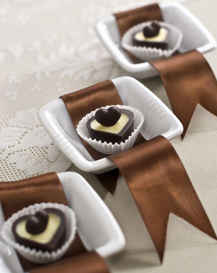 Porzellanschale - Verpackungsideen für Gastgeschenke - Nicht nur der Inhalt, aber auch das Porzellanschälchen als Gastgeschenkverpackung können Sie Ihrer Gäste schenken. :: zur Anleitung