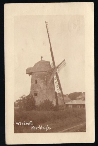 North-Leigh-near-Witney-Windmill