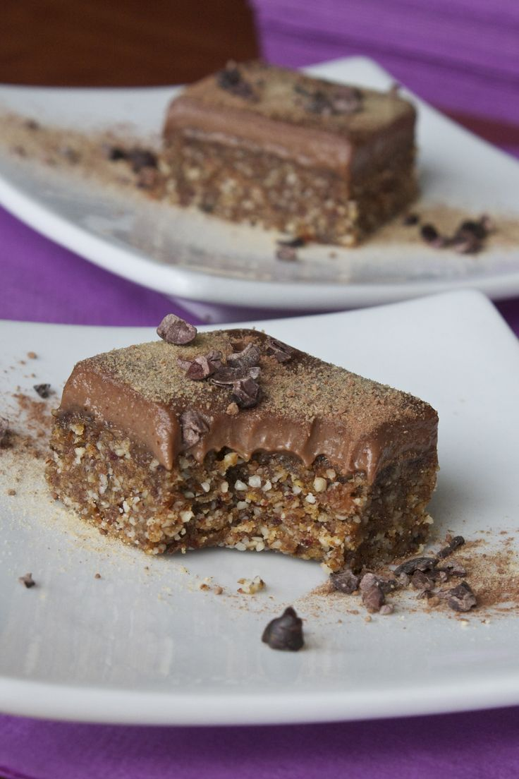 Chewy banana chocolate squares, raw, vegan recipe