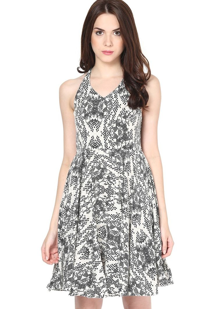 Printed Black Dress @ $49.40. 24% OFF https://www.dollyfashions.com/the-vanca-printed-black-dress-3000649851.html