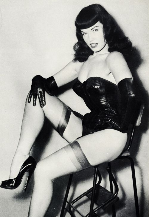 Bettie Page                                                       …
