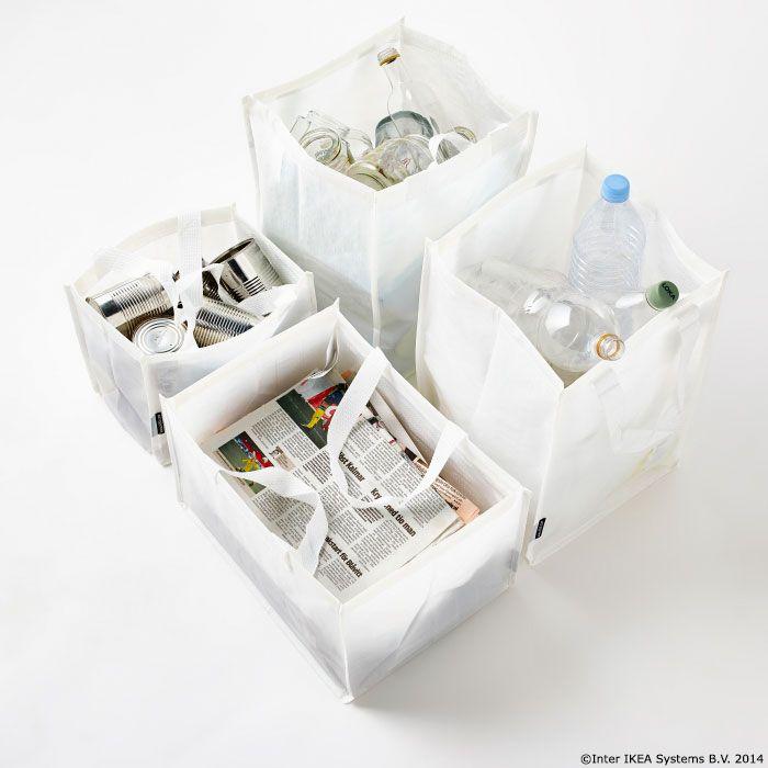 Sortează, reciclează și transportă. Simplu ca  'bună ziua'.  Cele 4 sacoșe de sortare a deșeurilor DIMPA sunt fabricate din plastic rezistent pentru ca tu să poți transporta totul până la stația de reciclare selectivă. www.IKEA.ro/sacosa_DIMPA