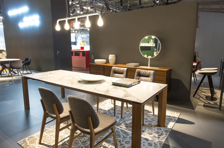 OMNIA table / COLLETTE chairs / TOSCA chairs / POM POM suspension light / KIOO mirror / SECRET side board / MEDLEY rug