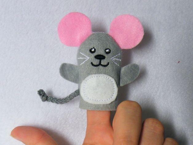 Fingerpuppen & Handpuppen - Fingerpuppe Maus - ein Designerstück von Tinas-Passion bei DaWanda