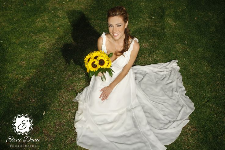 Bridal portrait.  Orthodox wedding in Athens, Greece. Photography by Eleni Dona.