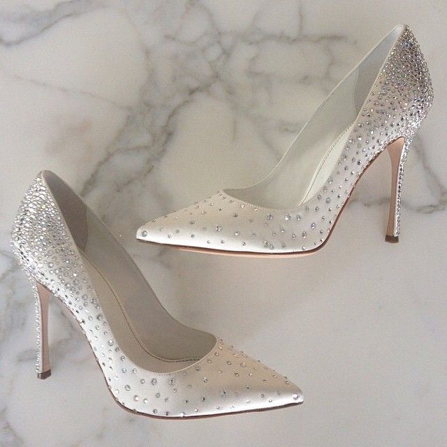 #ShareIG Sergio Rossi bridal collection via @cosmopolitan_shoes #shoes #weddings #weddingideas #bridalfashion
