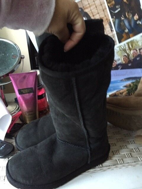 82d16de81ed Gently Used Classic Tall Black UGG Boots Size 6 (No Box) #fashion ...