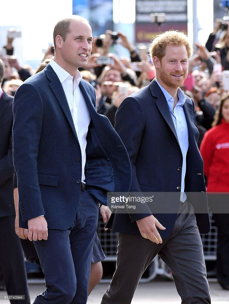 Prince William, Duke of Cambridge and Prince Harry arrive to celebrate World Mental Health Day with Heads Together at the London Eye on October 10, 2016 in London, England.  (Photo by Karwai Tang/WireImage)