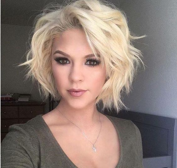 """Latest most popular messy bob hairstyles for women Updated: Having """"bed head"""". Not so many years ago, it was considered an insult to walk into an office or to g"""