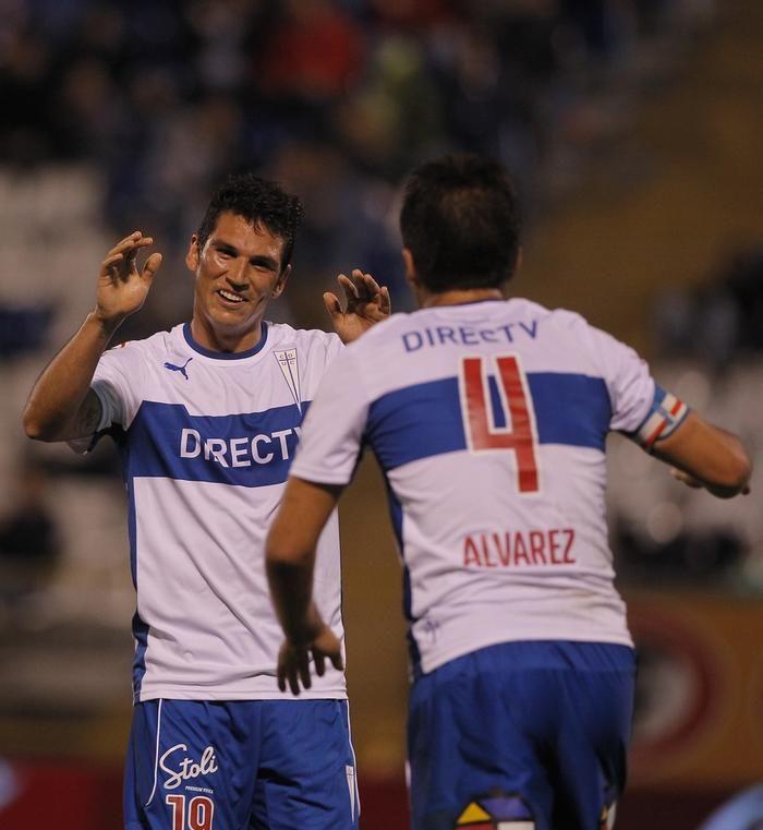 Mark González y Cristián Álvarez. U.Católica 7-1 Huachipato, febrero 2014.