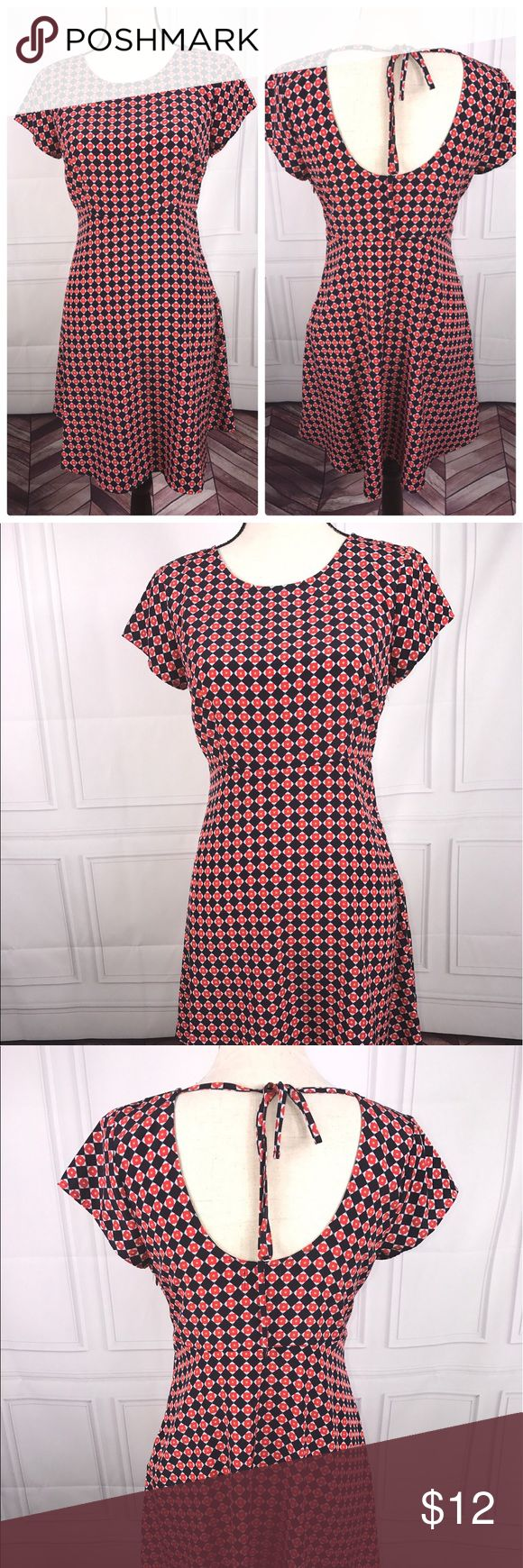 Old Navy XS Navy Blue Red White Short Sleeve Dress Old Navy XS Navy Blue Red White Short Sleeve Dress   Very good used condition   See pictures for additional details, flaws (if any), fabric content, cleaning instructions and measurements.   Thank you for looking at my store! Old Navy Dresses