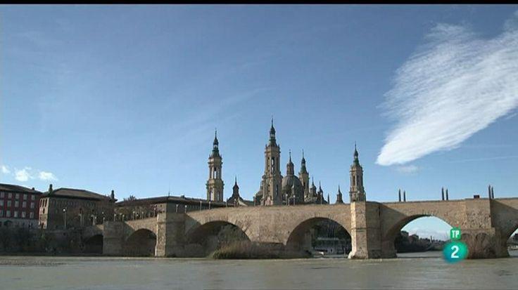 """La ruta literaria viaja hasta Zaragoza, para seguir los pasos de la """"Noche de los enamorados"""", una novela de Félix Romeo."""