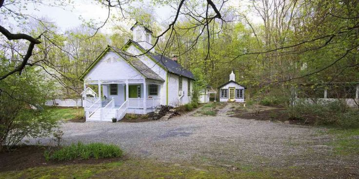 17 best for sale homes in the hudson valley and upstate for Tiny house for sale hudson valley