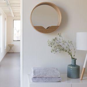 Miroir rond en chêne et vide poche Round Wall (2 tailles) Zuiver