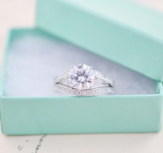 Art Deco Engagement Ring - Vintage Inspired Ring -  Antique Style - Wedding Ring Set - Round Cut Solitaire Ring -  Love the design!