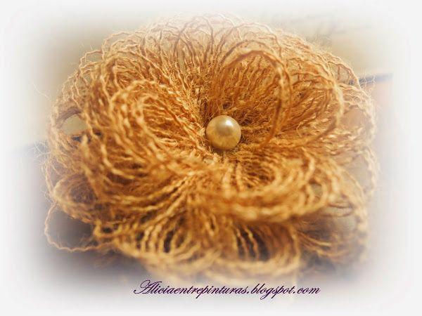 Tutorial diy flor para broche con tela de saco un - Manualidades con tela de saco ...